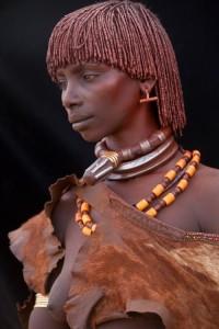 0f7009c42700e6908cff5d5524e503e3--tribal-women-tribal-people